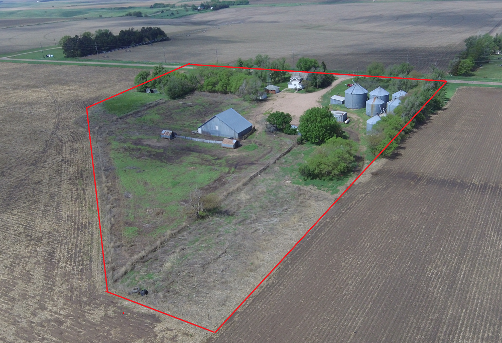 Holdrege Nebraska acreage for sale