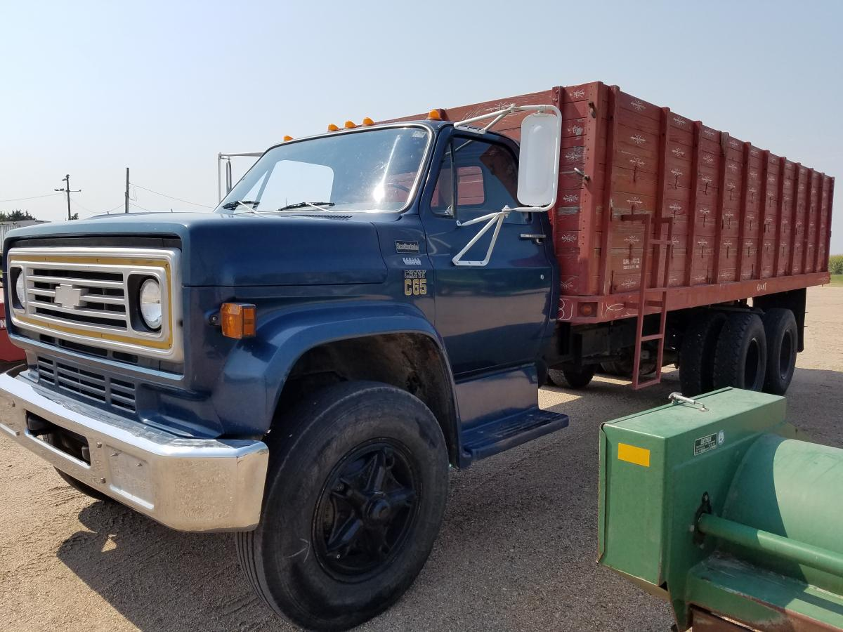 Absolute Pre Harvest Machinery Auction September 8th 2017 Adam 1976 Chevy 1 2 Ton Truck C65 22ft Box Wood W Hoist 366 Gas 67560 Miles Kept Inside Tag Axle 52 Spd Clean And Well Cab
