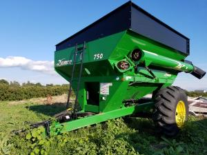 Demco 750 Bu. grain cart for sale