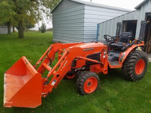 Kubota B3030 tractor for sale, only 124 hours, sells to highest bidder December 7th, 2017