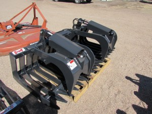 Unused Stout Brush Grapple HD72-4 close-tine w/ skid steer quick attach